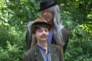 Donner-Karlsson und Blom (Susanna Karina Bauer, vorne; Peter Hofmann)